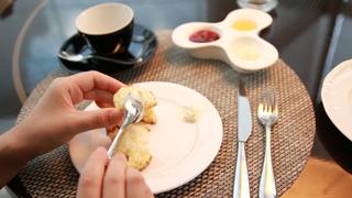 【スコーンの食べ方】アフターヌーンティーでの正しいマナー