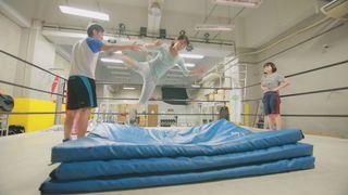 「DDTプロレス教室」でイケメンに教わる♡初心者でも1時間半でドロップキックをマスター!?