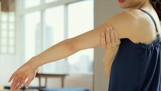 毎日30秒でぶくぶく二の腕解消!腕のリンパを流すマッサージ方法