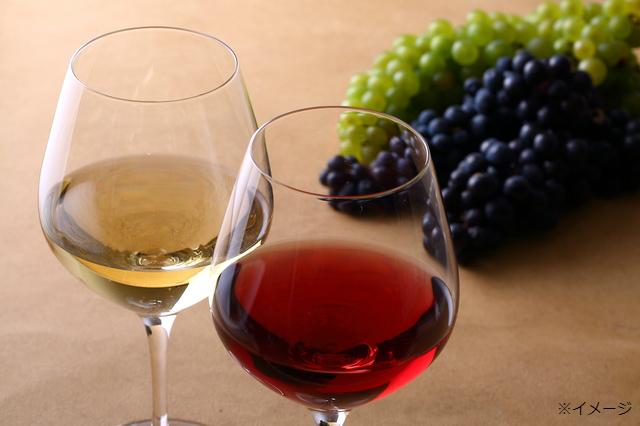 【8月・9月・10月のプレミアムフライデー限定】ハウススパークリングワインまたは、ハウスグラスワイン1杯サービス!