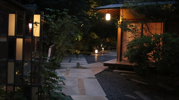「星のや京都」