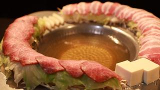 """都内限定!予算5,000円で楽しむ""""大満足""""鍋8選"""