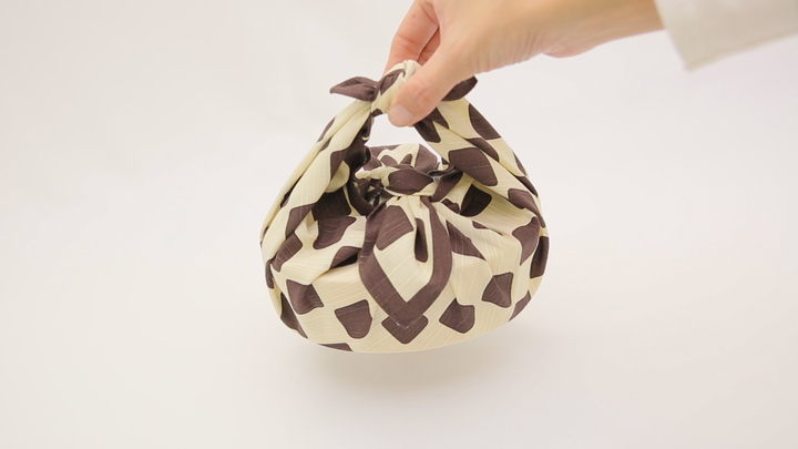 お弁当箱の包み方知ってる?風呂敷技「お弁当包み」の1番目の画像