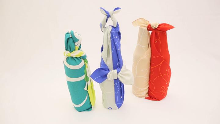 2本の瓶も風呂敷で軽々運べる♪「合わせ包み」の包み方の8番目の画像
