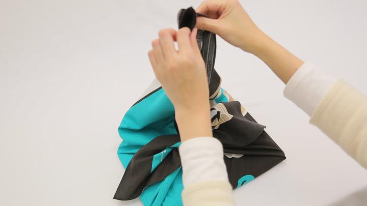 風呂敷の包み方を覚えてバッグ不要!「おけいこバッグ」の包み方の6番目の画像