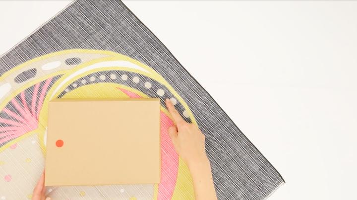 男性へのギフトも風呂敷で♡「リボン結び」のシンプルな包み方の2番目の画像