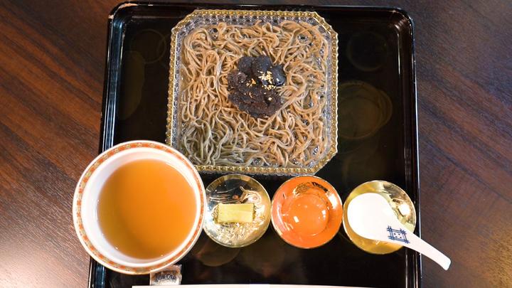 「御料理 武蔵野」の「トリュフ蕎麦」