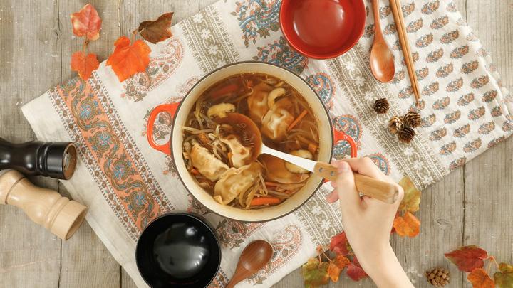 寒い日におすすめ! 体を芯から温める秋のほっこりレシピ「水餃子と生姜のポカポカスープ」の1番目の画像