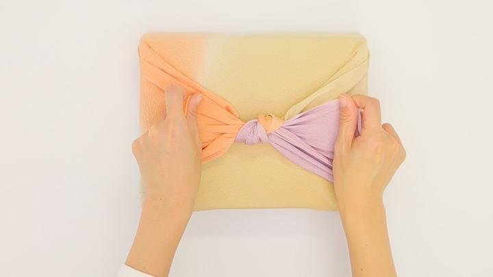 気軽な贈り物やお弁当も風呂敷で!基本の包み方「お使い包み」の6番目の画像