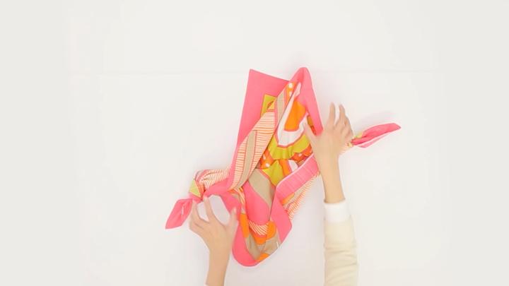 持ち運びに活躍する風呂敷!「シンプルバッグ」の包み方の5番目の画像