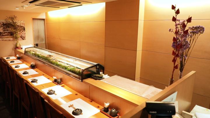 銀座でしか食べられない北海道の味。寿司屋「函館 呉竹」で新鮮な魚介を堪能の1番目の画像