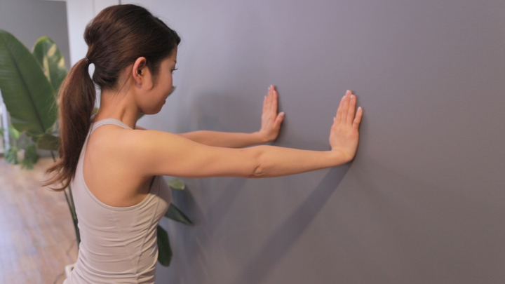 二の腕 引き締める 方法 おすすめ 筋トレ コレ