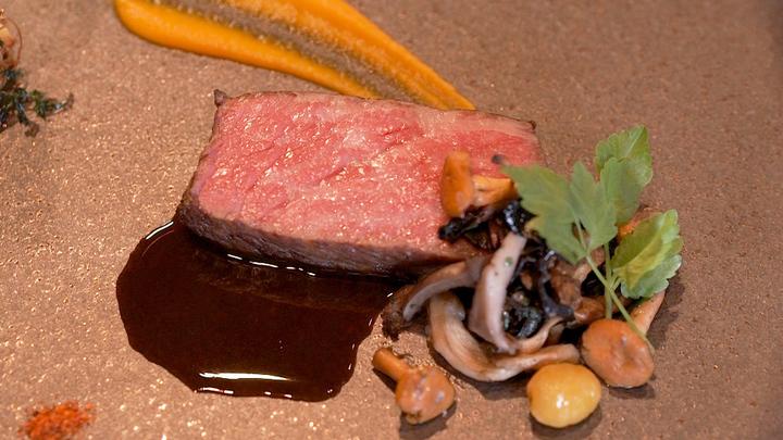 クリスマスディナーにも!和のフレンチと芸術で夜を彩るレストラン「THE MOON」の3番目の画像