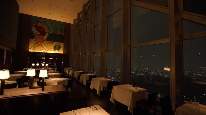 特別な日に行きたい! ホテルの最上階にある「ニューヨーク グリル」の1番目の画像