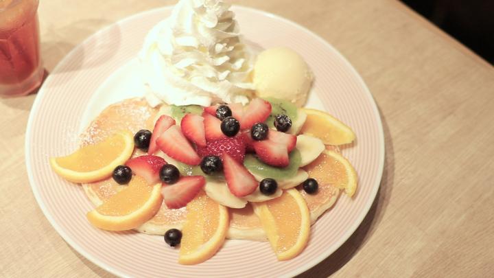 夜カフェ「モアナキッチンカフェ 有楽町イトシア店」で絶品パンケーキをの2番目の画像