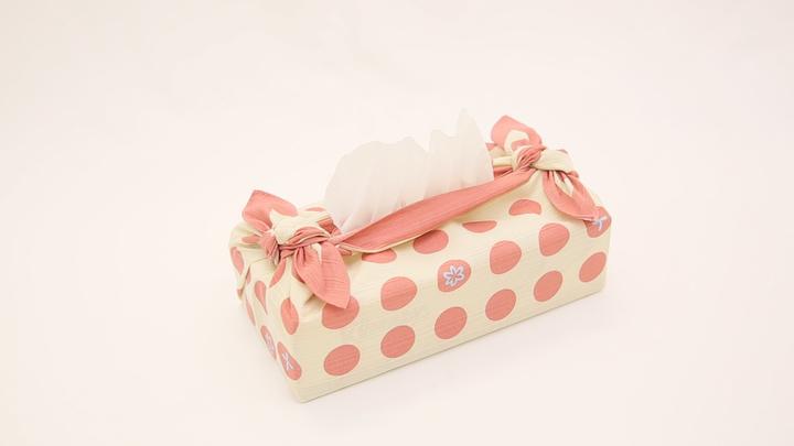 インテリアも風呂敷で!「ティッシュボックス包み」の包み方の1番目の画像