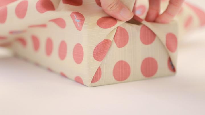 インテリアも風呂敷で!「ティッシュボックス包み」の包み方の6番目の画像