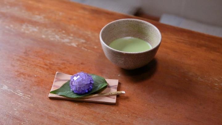 紫陽花の上生菓子とお抹茶のセット