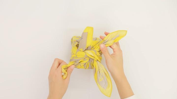 お弁当包みもラッピングにも使える包み方「花びら包み」をご紹介!の6番目の画像