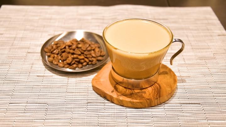 コーヒー豆とバターコーヒー
