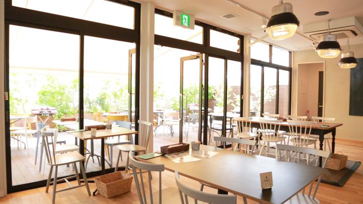 テラスが特等席!毎日通いたくなる一軒家カフェ「ローフベーカリー」の2番目の画像