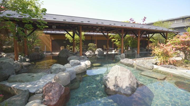 「熊谷天然温泉花湯スパリゾート」露天風呂