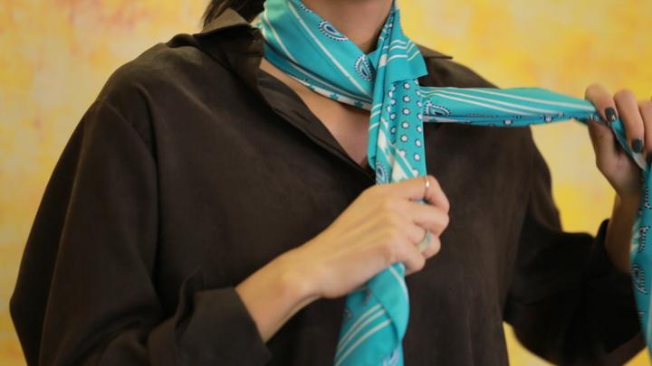 成熟風絲巾圍法Vol.1 高級穿搭術の2番目の画像