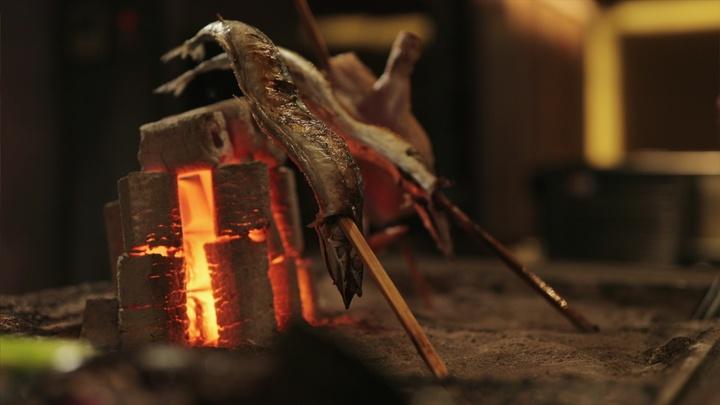 「炭焼長者 馬場六区」の炉端焼き