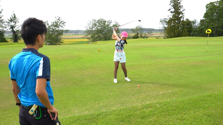 「サンクチュアリゴルフ」のコースレッスン練習風景
