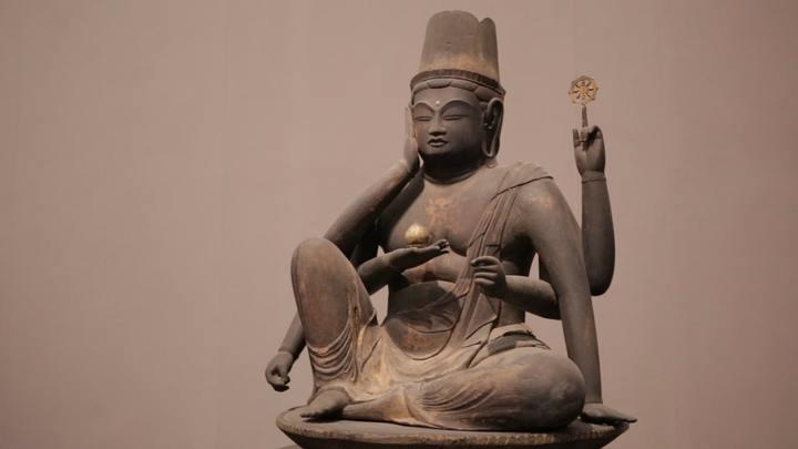 「奈良国立博物館」の仏像