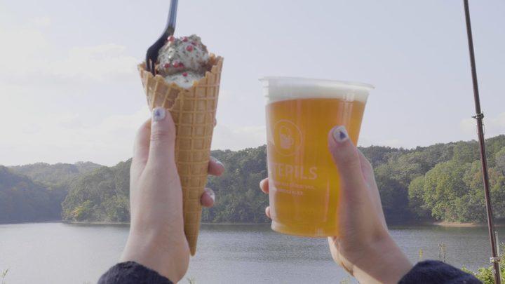 「ウーテピルス」のミートボールワッフルとビール