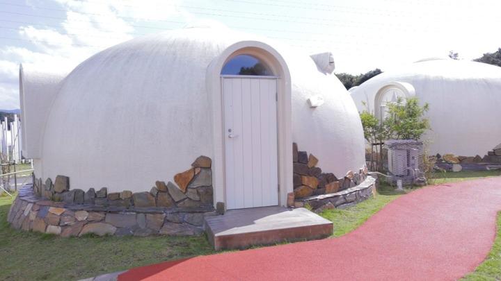 「とれとれヴィレッジ」のドーム型宿泊施設