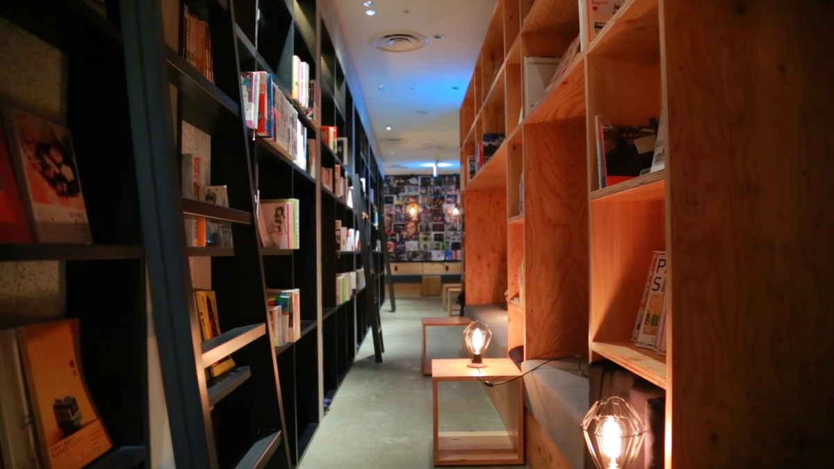 BOOK AND BED TOKYO 福岡店