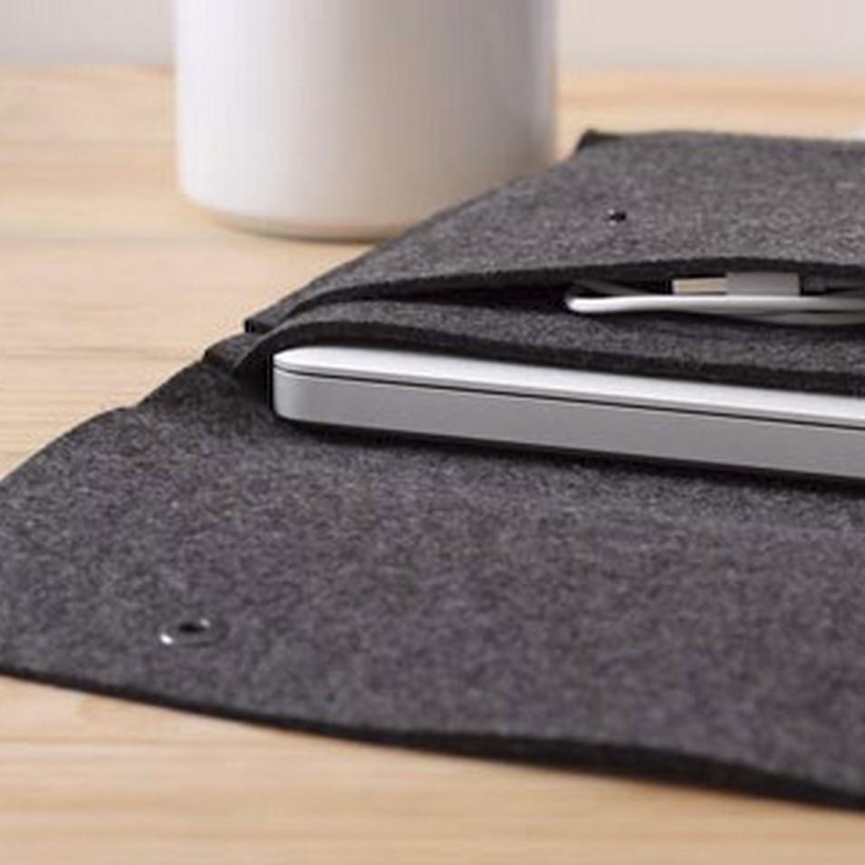 Pack&Smooch 德國時尚包 13吋MacBook Pro 手作羊毛氈保護內袋(碳黑羊毛/淺棕皮革) | 設計 | Citiesocial