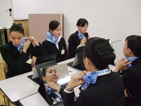 東京エアトラベル・ホテル専門学校{エアライン科 フライトアテンダントコースのイメージ
