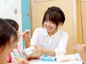 札幌医療秘書福祉専門学校{医療保育科 小児看護コースのイメージ