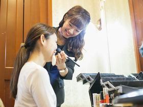 福岡ウェディング&ブライダル専門学校{ブライダルヘアメイク&ドレス科 ブライダルヘアメイクコースのイメージ