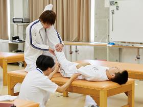 金城大学{医療健康学部 理学療法学科のイメージ