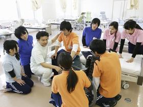 中部学院大学短期大学部{社会福祉学科 介護福祉コースのイメージ