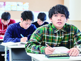 太田情報商科専門学校{公務員学科 公務員コース(1年制・2年制)のイメージ