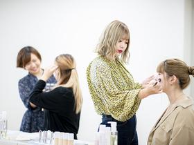 九州美容専門学校{美容科 メイク・ネイルコースのイメージ
