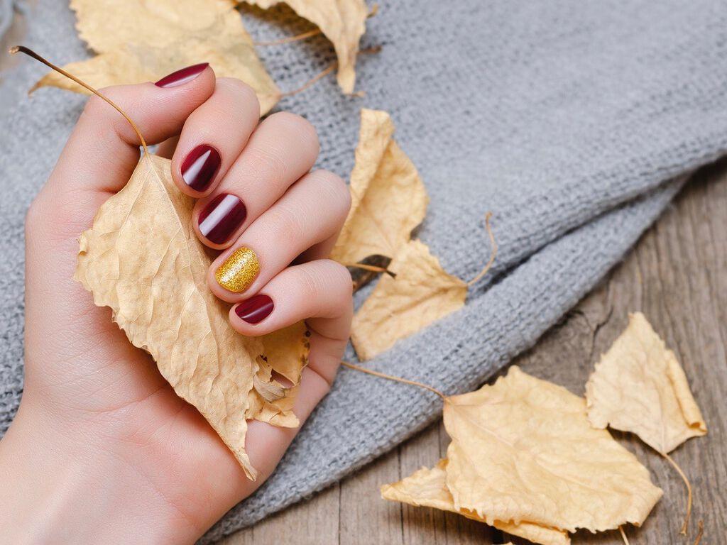 【プレゼントあり】セルフネイル派さん必見!指先から秋を演出するネイルポリッシュの画像