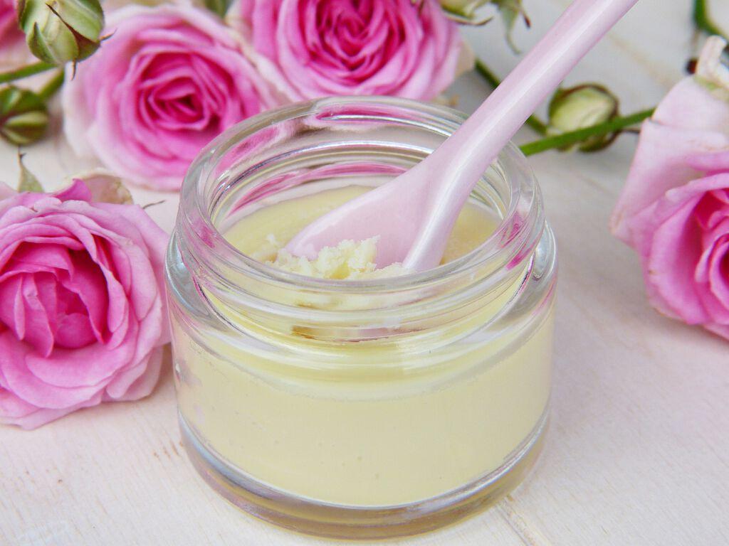 シミにおすすめの化粧水特集|正しい化粧水の使い方も解説!の画像
