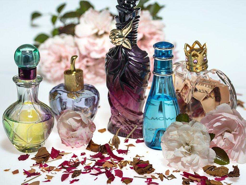 《香水おすすめブランド》をご紹介。かわいい子のマストアイテムはこれだ!の画像