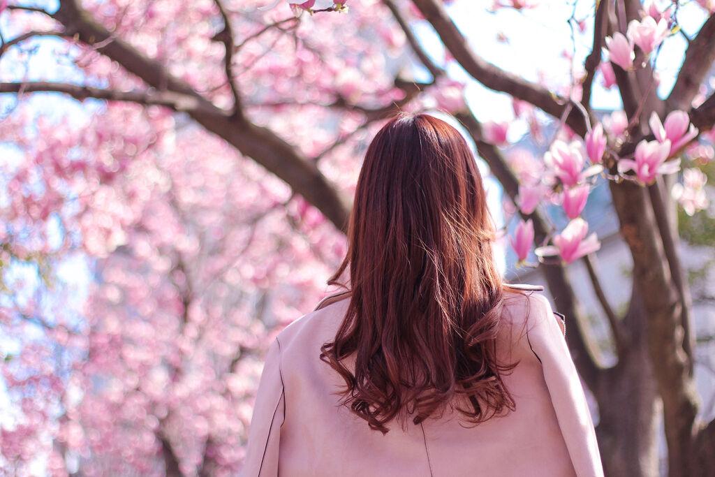 「春はコスメで先取りしましょ。注目の「ビビットカラー」もうチェックした?」の画像(#128153)