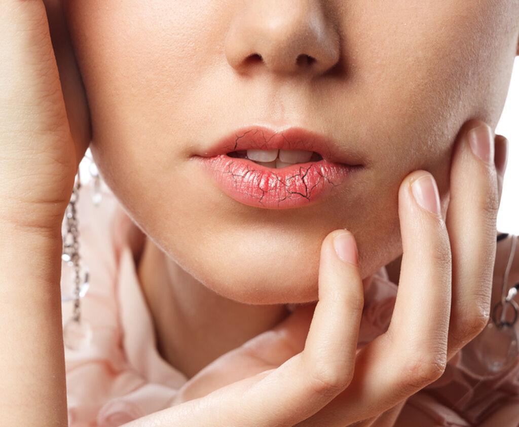 いつもぷるぷるな唇でいよう♡高保湿のおすすめリップクリーム8選【色付きリップ編】の画像