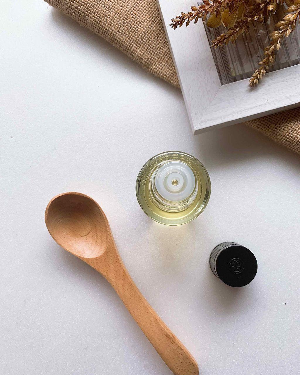 「椿油の《11通りの使い方》を解説!髪、顔、全身に使えるマルチなおすすめ椿油3選」の画像(#188655)