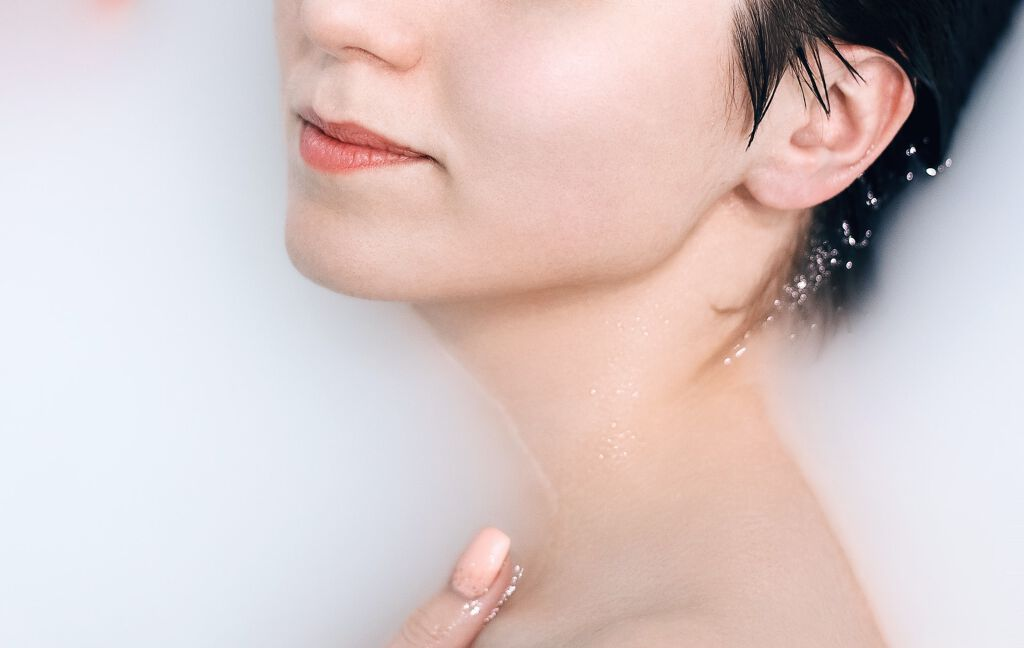 《本気のシミケア化粧品》おすすめランキングTOP10|プチプラ、医薬部外品…口コミで人気のアイテムを厳選の画像