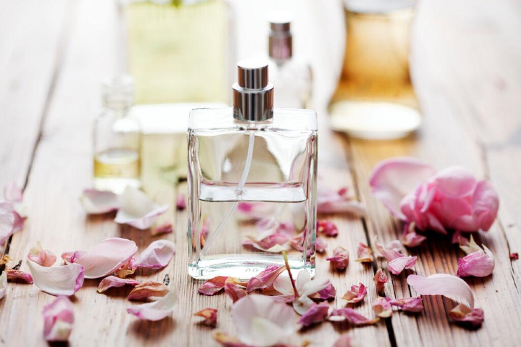 飾っておくだけでもかわいい!見た目が可愛い香水をまとめました♡の画像