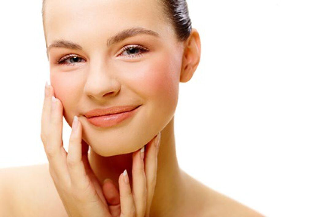 なかなか消えないニキビ跡に効く、おすすめ化粧水5選♡の画像